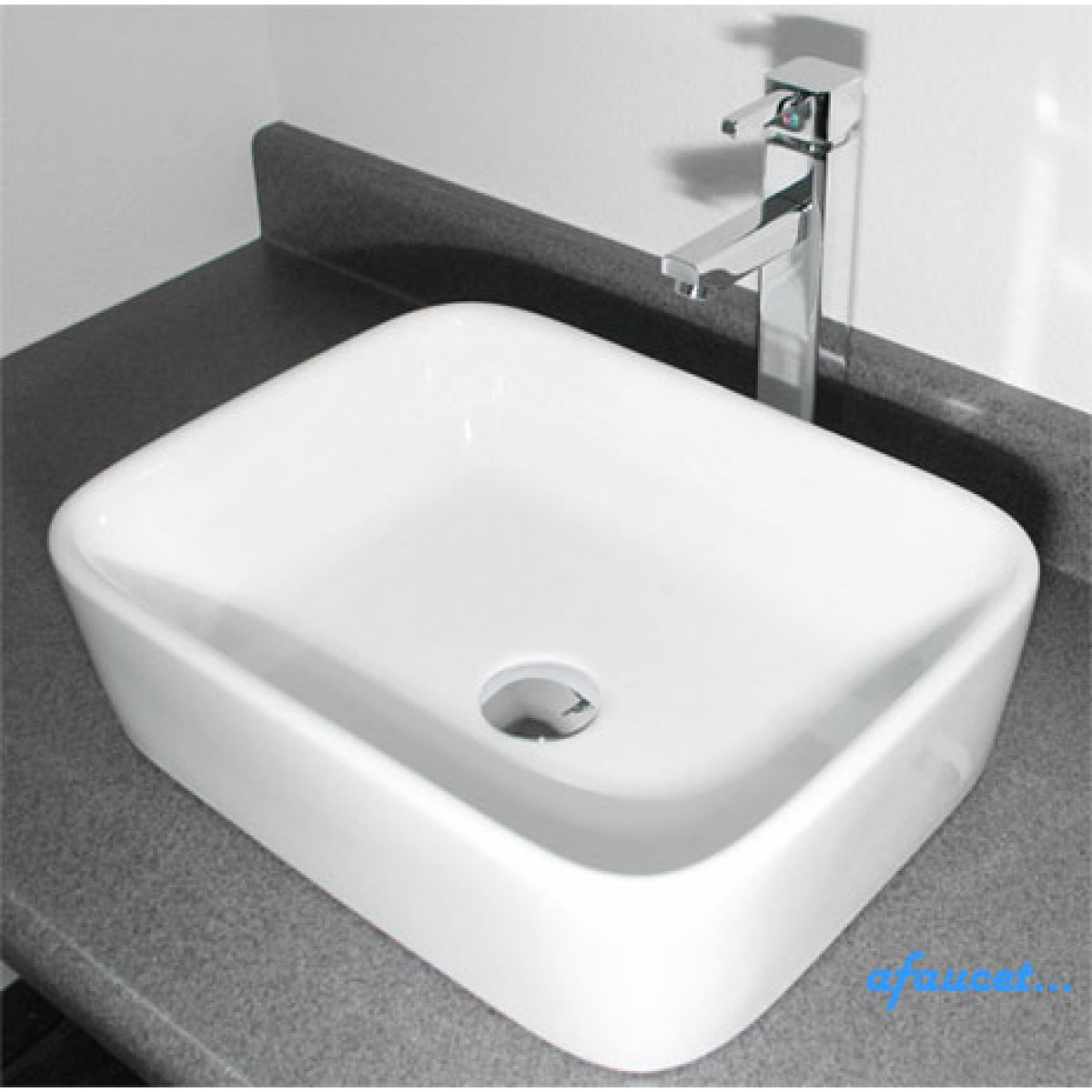 Rectangular White Porcelain Ceramic Countertop Bathroom Vessel Sink   19 X  14 1/2 X 5 1/4 Inch