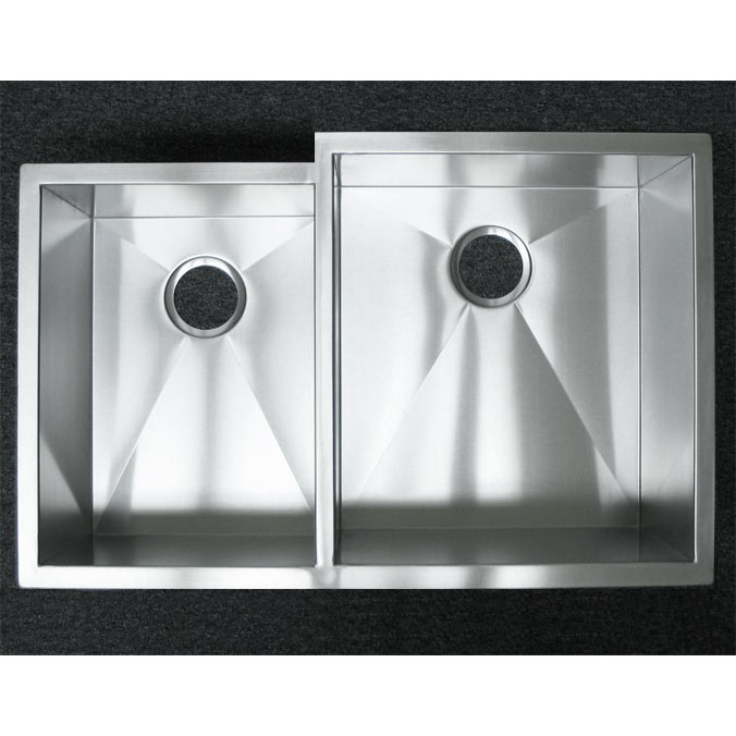 Contemporary Kitchen Designed With Undermount Sink And Led: 33 Inch Stainless Steel Undermount 40/60 Offset Double