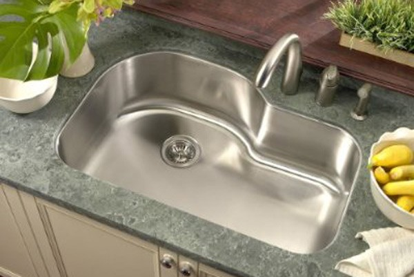 32 Inch Stainless Steel Undermount Offset Single Bowl Kitchen Sink