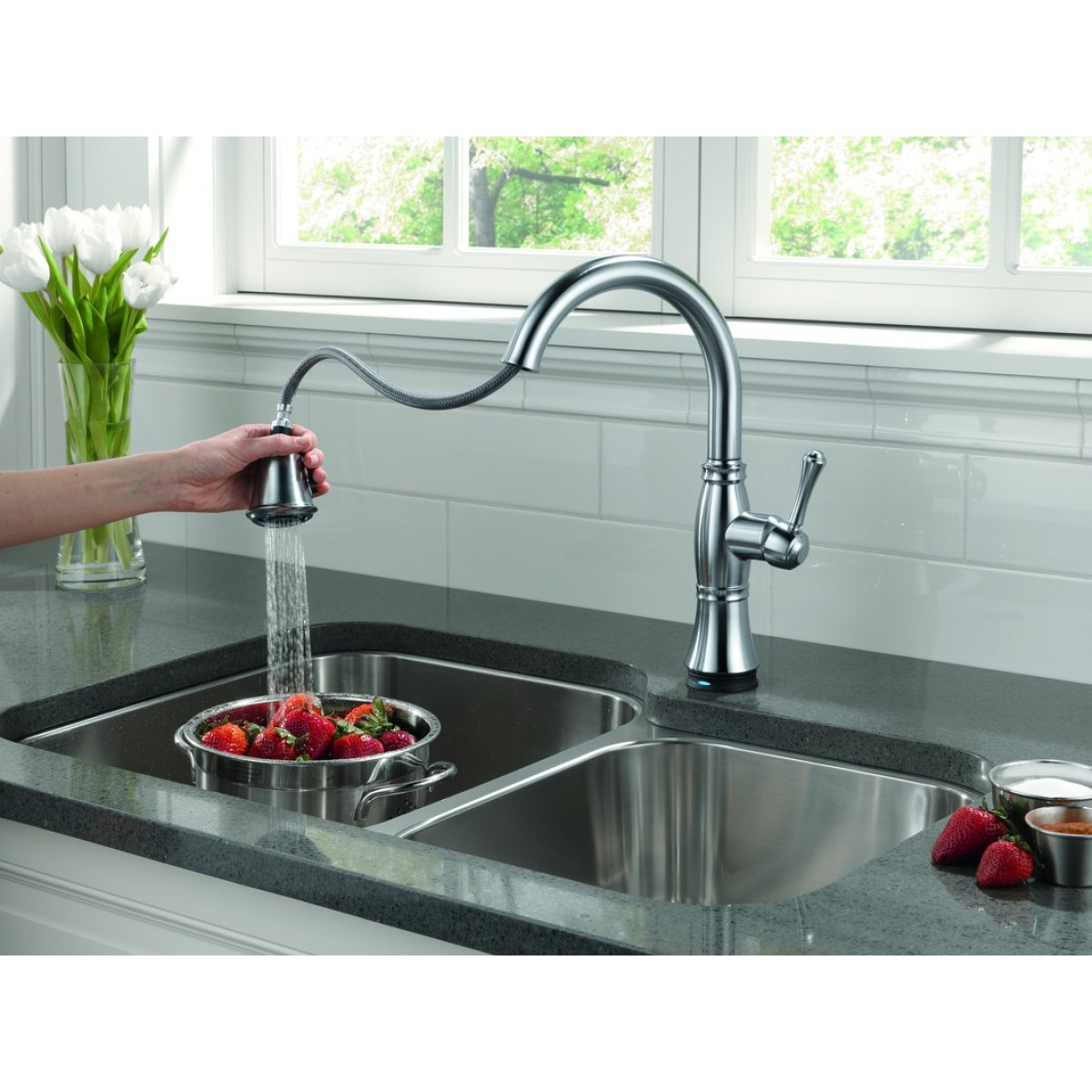 Delta Cassidy Lead Free Single Handle Pull Out Kitchen Faucet ...