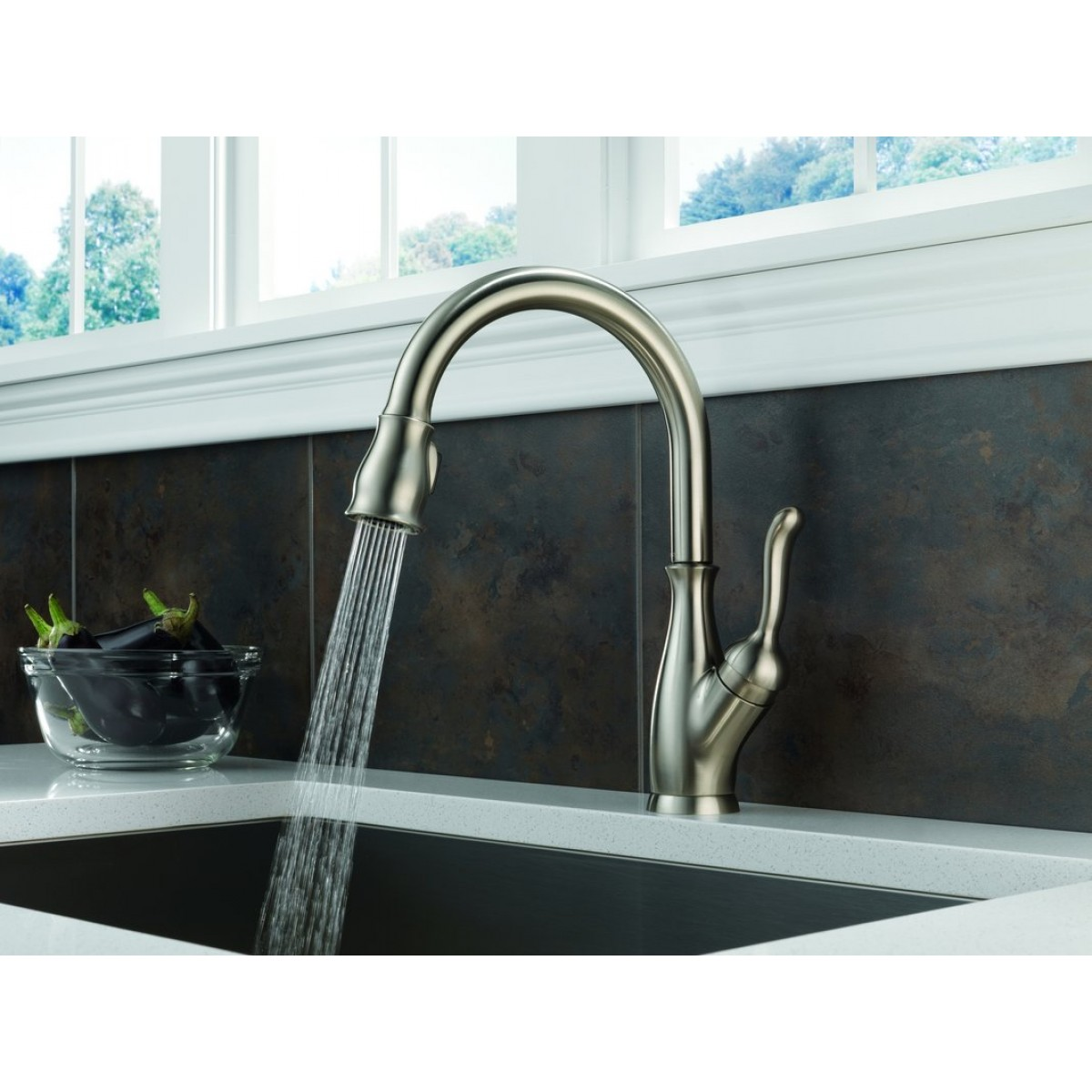 Delta Leland Lead Free Single Handle Pull Out Kitchen Faucet With ...