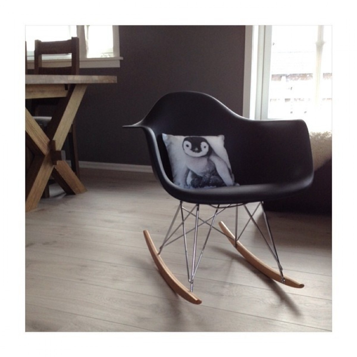 Merveilleux Eames Style RAR Molded Black Plastic Rocking Chair With Steel Eiffel Legs