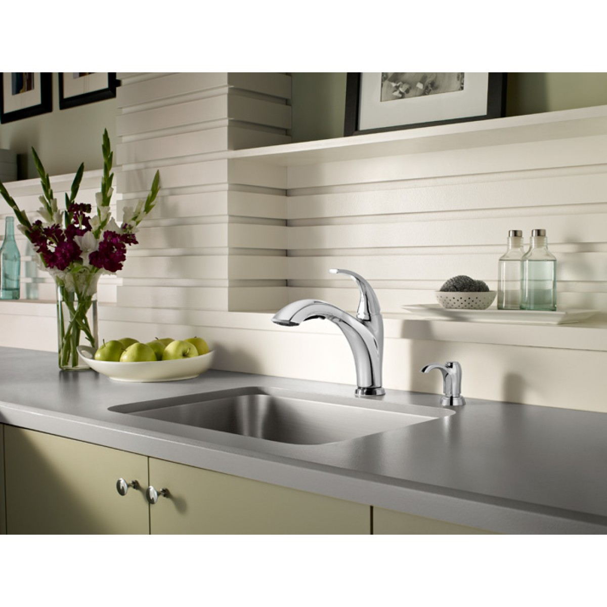 Pfister Selia Lead Free Single Handle Pull Out Chrome Kitchen Faucet With  Soap Dispenser