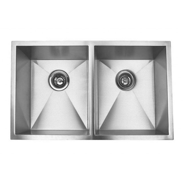 Genial 32 Inch Stainless Steel Undermount 50/50 Double Bowl Kitchen Sink Zero  Radius Design