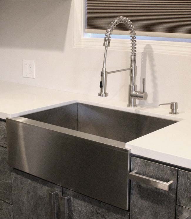 33 Inch Stainless Steel Flat Front Farmhouse Apron Kitchen Sink 60/40  Double Bowl